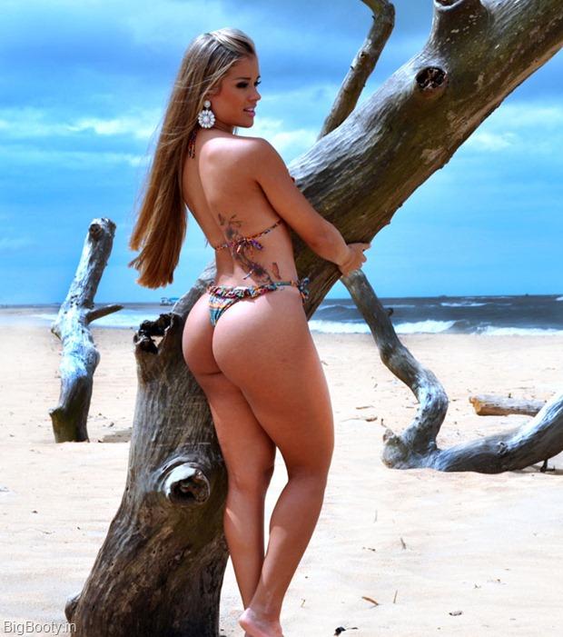 ARYANE-STEINKOPF-in-Bikini-at-a-Photoshoot-1