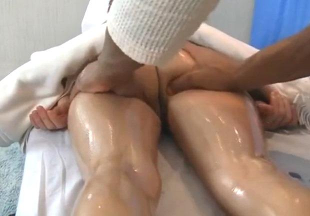well oiled ass getting massage