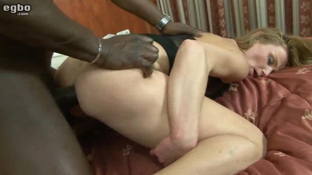 egbo.com white booty ho getting some black cock